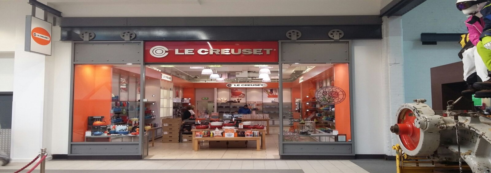 Le Creuset fire safe hoarding system installed by Lintons
